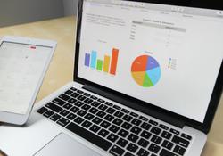 Ipad laptop graph